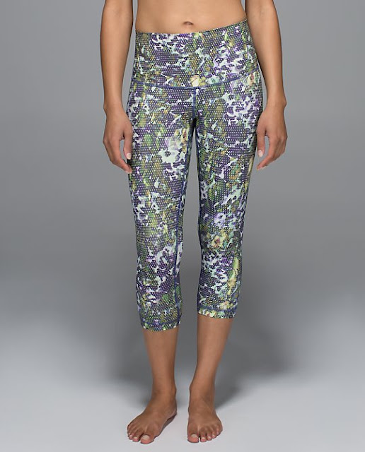 lululemon-wunder-under-crop floral-sport-multi