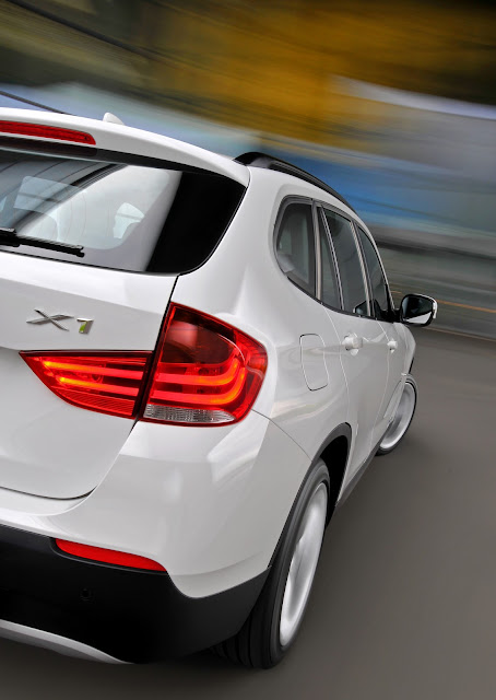 Rear 3/4 view closeup of 2013 BMW X1