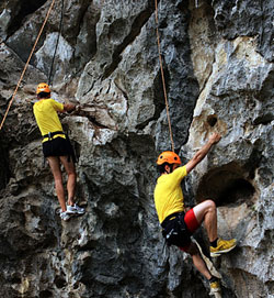 Adventure tourists enjoy pushing it to the limit in scenic Ninh Bình