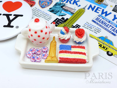 Miniature tray set for 4 July