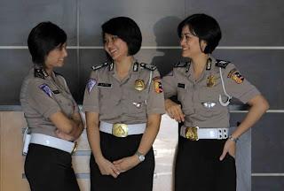 Kumpulan Foto Polisi Cantik Terbaru 2012