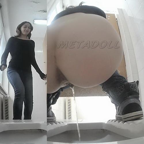 VB Piss 1696-1705 (Hidden camera spying toilet pissing)