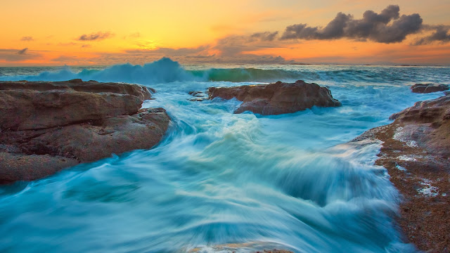 Tide and Waves HD Wallpaper