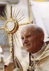 Beato João Paulo II, rogai por nós lá no céu!