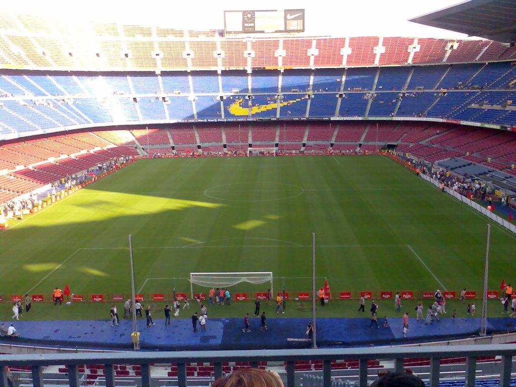 http://2.bp.blogspot.com/-BhiSQdrgj90/Tz3b27XjAkI/AAAAAAAABy0/jseeQR6n7KE/s1600/BARCELONA_FC_BARCELONA_CAMP_NOU_STADIUM.jpg