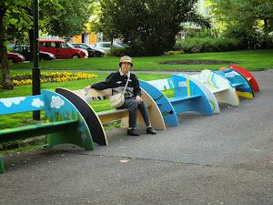 街头公园座椅独出心裁的设计。