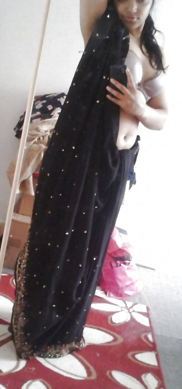 Hot Indian College Girl From Delhi Naked Selfshot Pics indianudesi.com