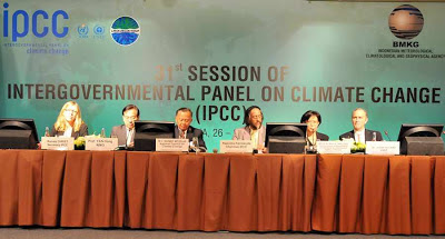 &quot;No IPCC a maior parte dos chamados cientistas so na verdade  ongueiros, burocratas e pesquisadores de outras reas&quot;