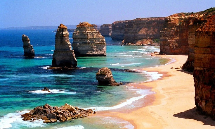 Shipwreck Coast   The Twelve Apostles  (Australia)