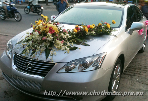 Cho thuê xe cưới Lexus ES350 đời mới giá ưu đãi 1