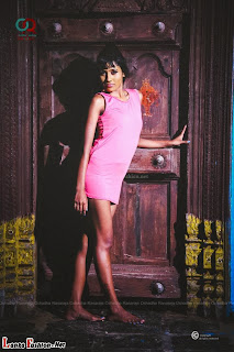 Sachi wickramasinghe hot pink