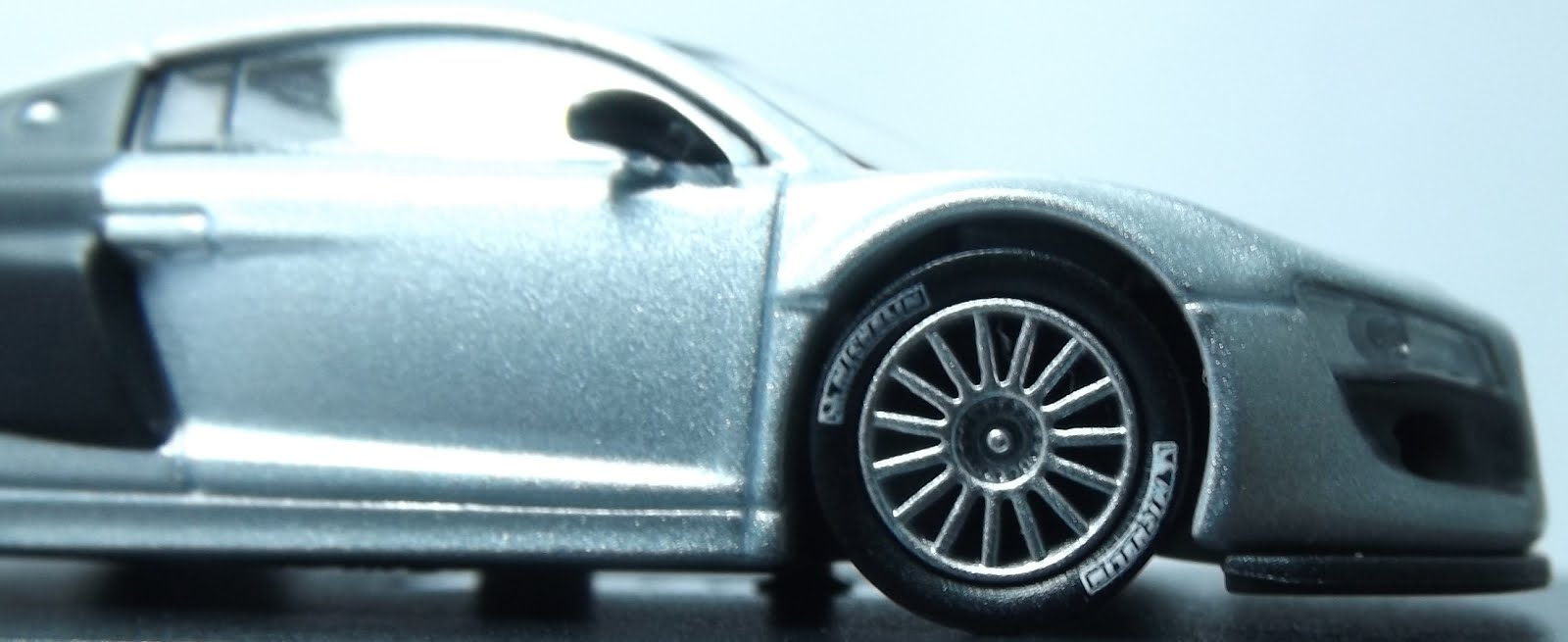 Diecast kyosho audi r8 lms michelin tires