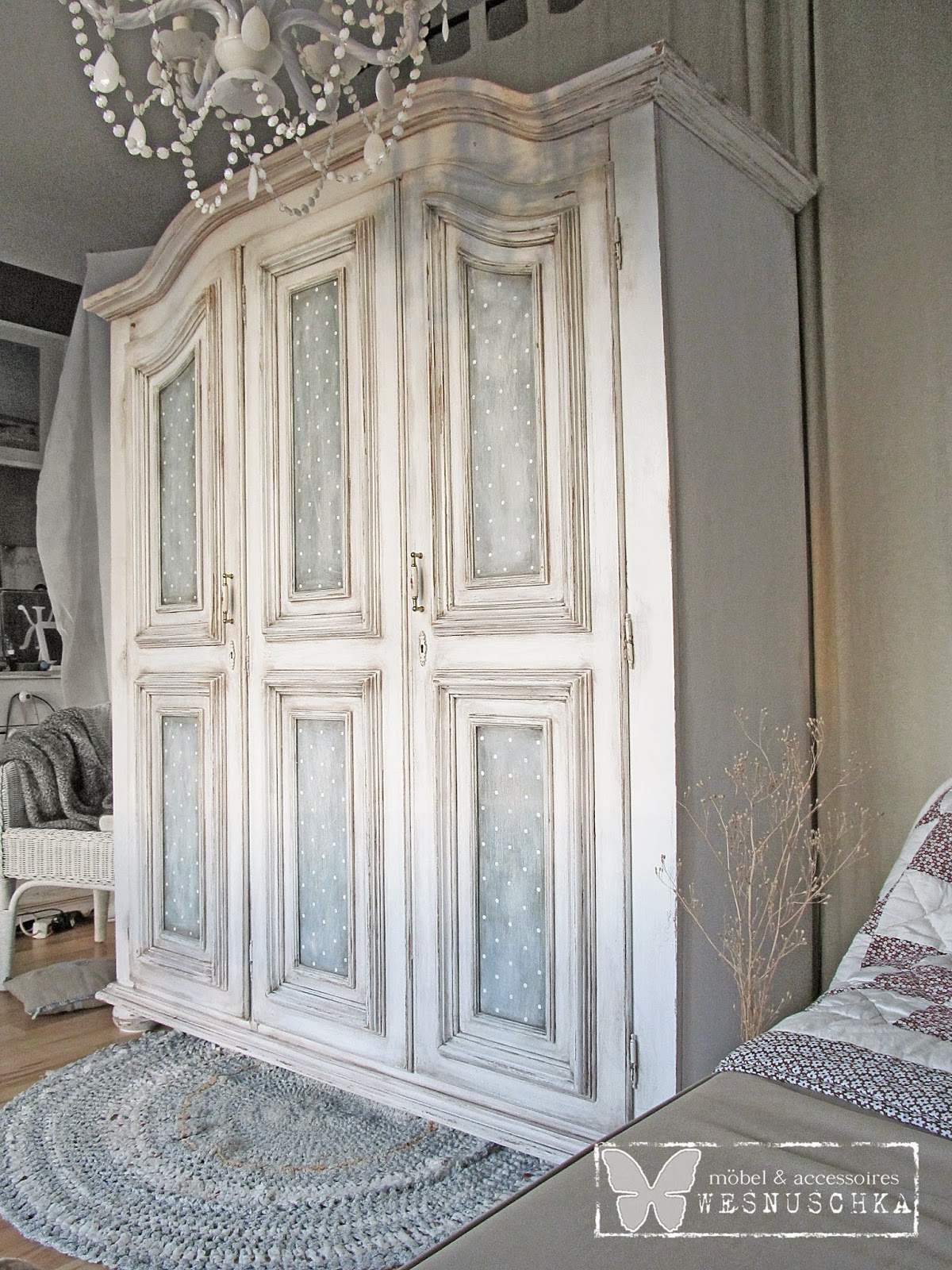 schrank shabby chic free with schrank shabby chic trendy sette design how to shabby chic. Black Bedroom Furniture Sets. Home Design Ideas