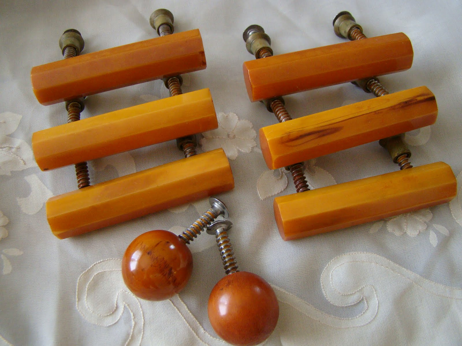 Fab Finds From Gentler Times Bakelite Drawer Pulls