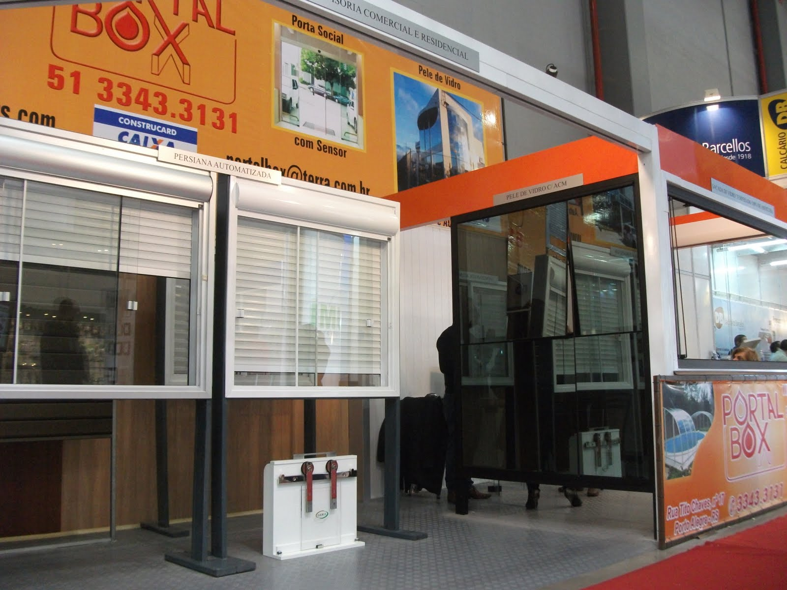 #B03D1B  De Bem a Construsul é um local de pré venda um ponto de 248 Janelas De Vidro Porto Alegre