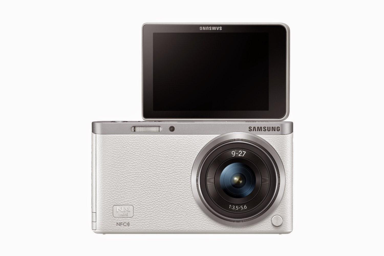 Samsung NX Mini front