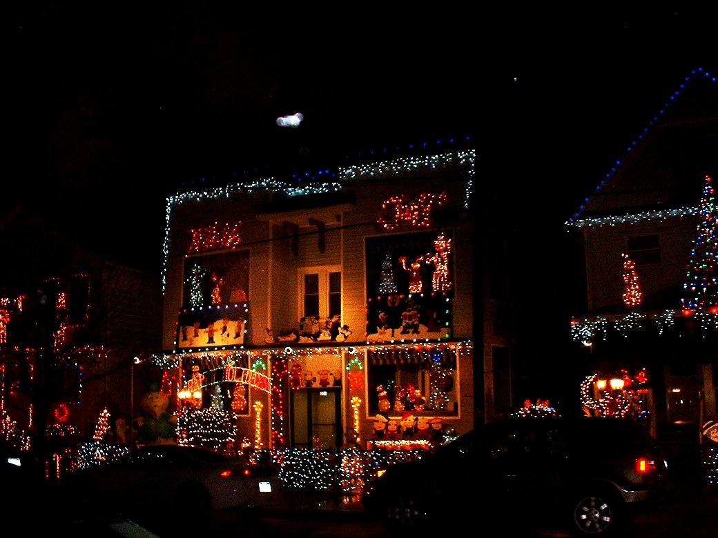 Frank's Place: Christmas Lights