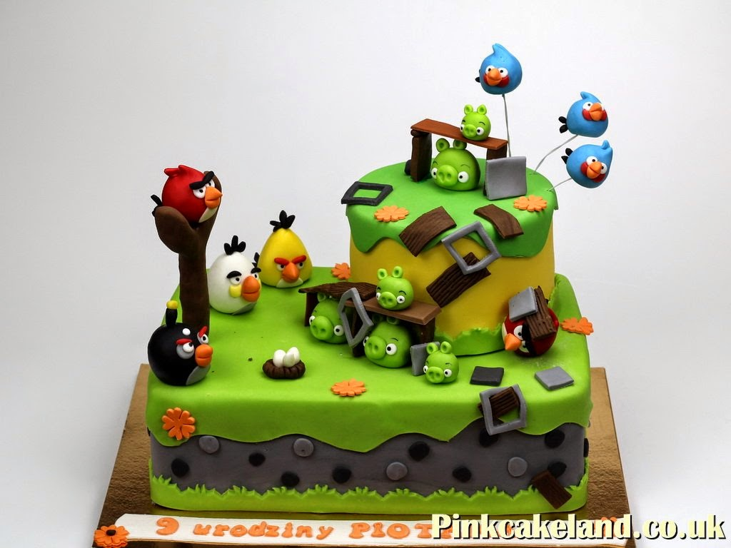 Pictures Of Angry Birds Birthday Cakes : Novelty Cakes London: Angry Birds Birthday Cake Ideas
