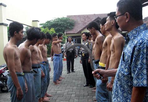 Foto Cewek SMA Telanjang Pamer Toge Besar