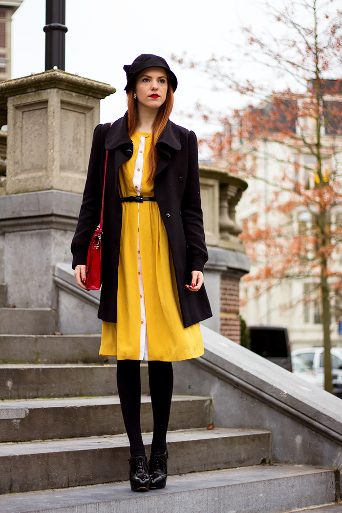 Retro Fashion Blogger Outfit with a Yellow Vintage Dress and cloche hat