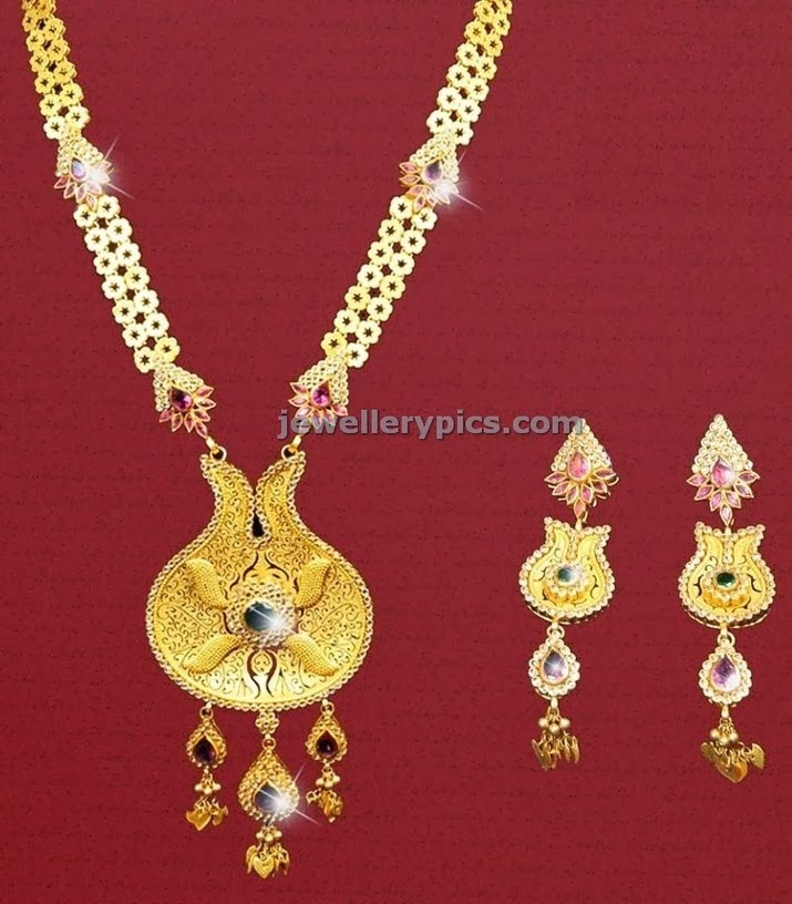 gold haram and earrings with kundans