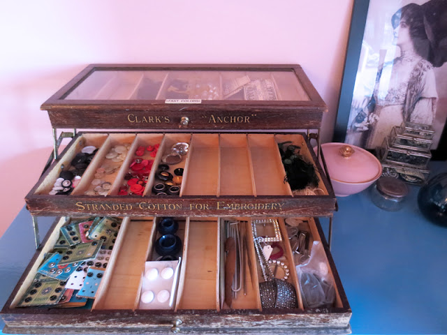 Antique thread cabinet | www.stinap.com