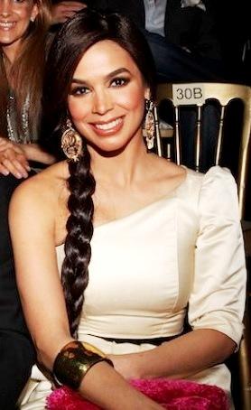 Bibi Gaytán con bella sonrisa