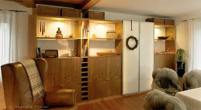 Küchenfronten auch für den Einbauschrank im Esszimmer - eine gelungene Verbindung von Küche und Essbereich
