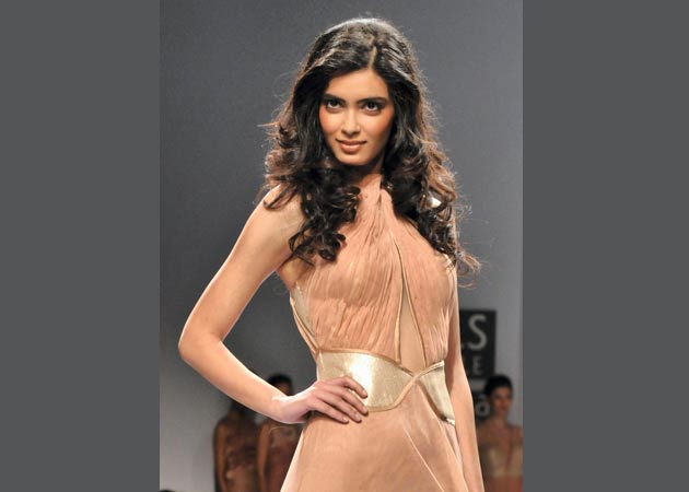 diana penty hot wallpapers