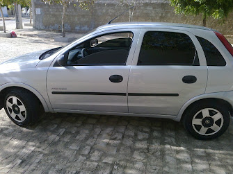 Vende-se um Corsa 2005 Completo! ligue (83) 9939-2794