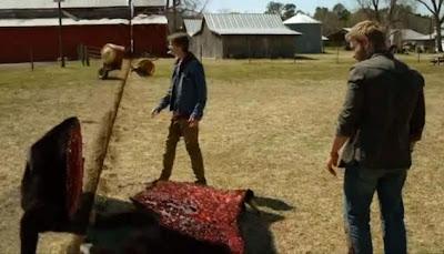 Escena del primer episodio de la serie La Cúpula