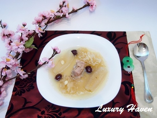 chinese new year pear soup snow fungus
