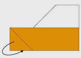Bước 3: Gấp chéo cạnh dưới cùng về phía mặt sau.