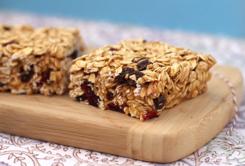 Healthy Peanut Butter and Jelly Granola Bars - Desserts with Benefits