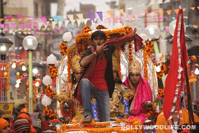 Rang Mein Bhang Yaa Bhang Mein Rang Banarasiya Haaye Banarasiya Bollywood movie song download free latest bollywood movie Ranjhanaa movie show times at chennai hyderabad pune wallpapers of Ranjhanaa sonam kapoor latest bollywood release movies upcoming songs lyrics hindi movie