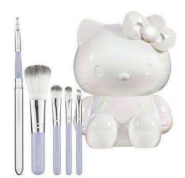 http://2.bp.blogspot.com/-BkjFBE78uiU/TzUavdzp5iI/AAAAAAAANHg/rUnHKFV_YYU/s1600/Hello+Kitty+Mon+Amour+Brush+Set.JPG