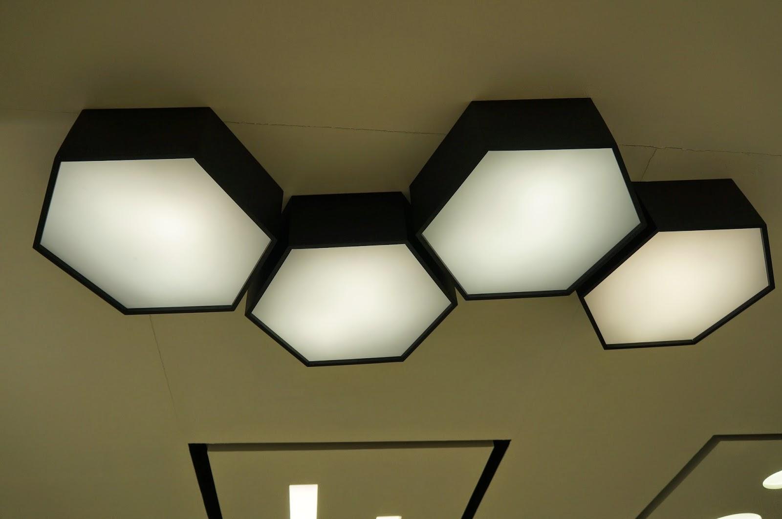 conjunto de luminárias de sobrepor em Colmeia - Dimlux - Expolux 2014