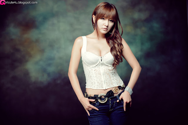 Ryu-Ji-Hye-Lace-Corset-Camisole-01-very cute asian girl-girlcute4u.blogspot.com