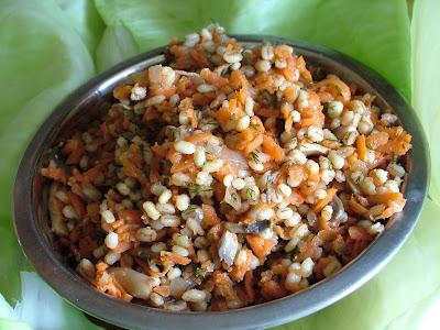 Gołąbki z kaszą pęczak i warzywami