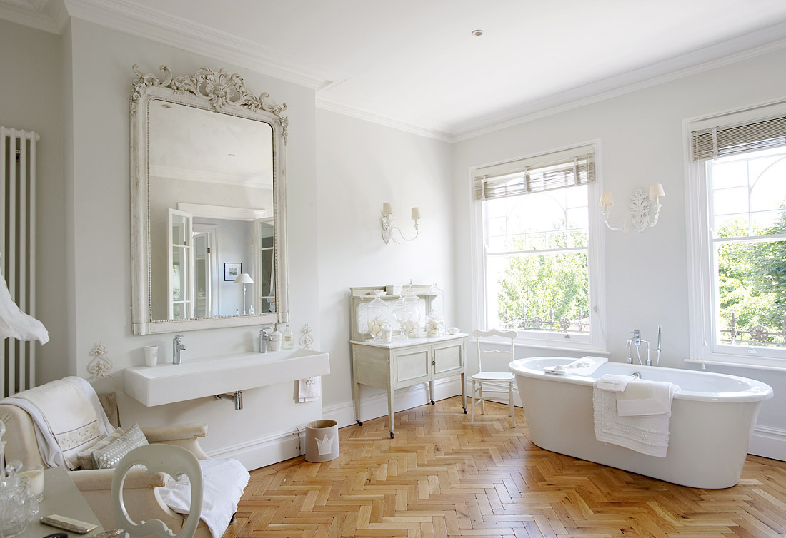 The Paper Mulberry: The Perfect White Bathroom