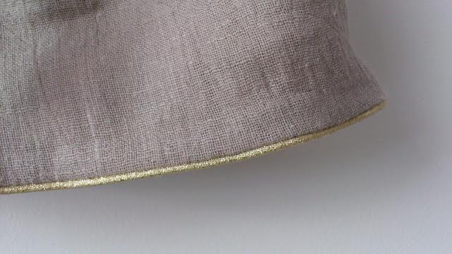 Robe Tee-Shirt pour les journées d'Automne  Détail bas de jupe passepoil doré lamé