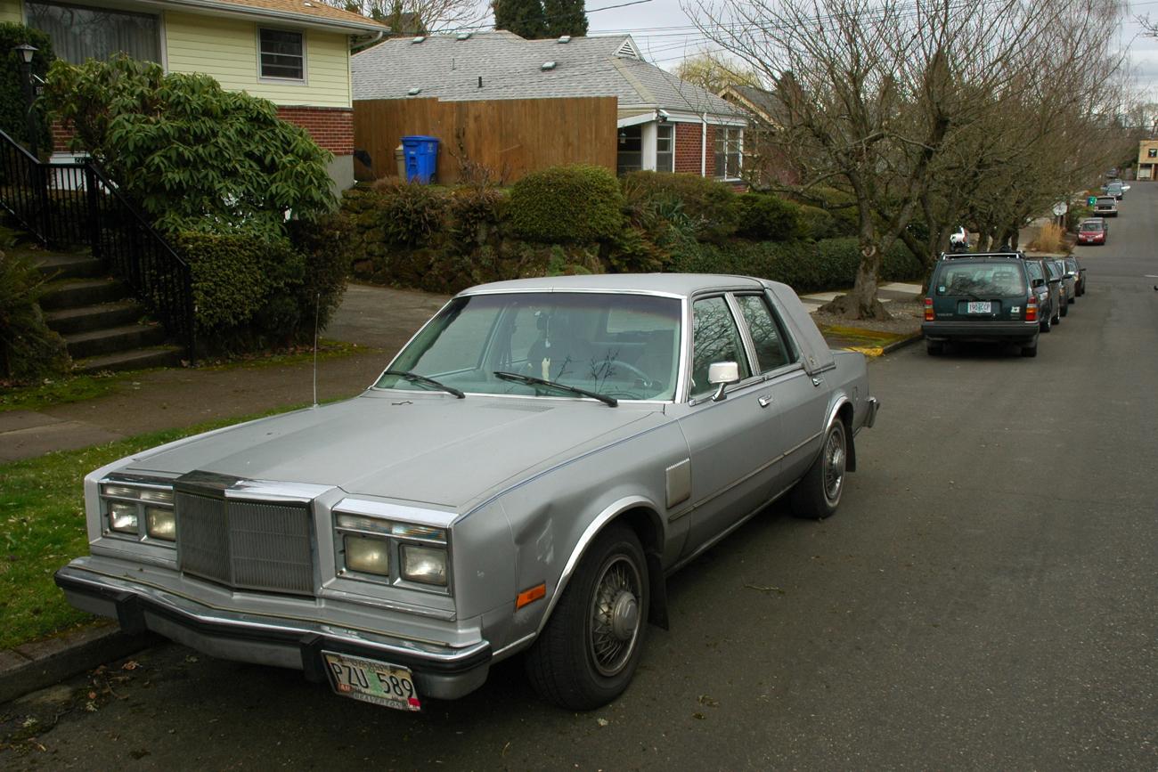 old parked cars 1984 chrysler fifth avenue. Black Bedroom Furniture Sets. Home Design Ideas