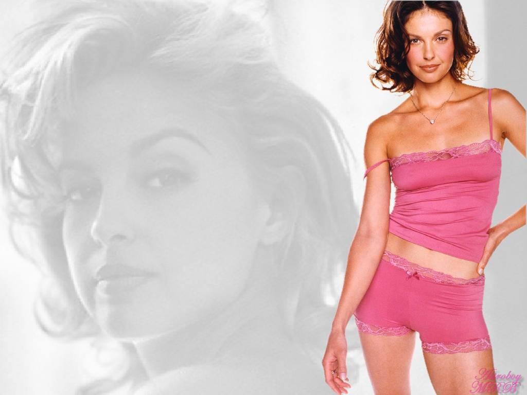 Hollywood: Ashley Judd...