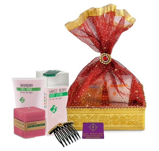 The Nature's Co.: Raksha Bandhan treats for your sister!, Raksha Bandhan, gifts, The Nature's Co, brother, sister, offers, makeup and beauty blog,press release