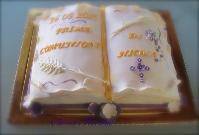 ♱♱una torta libro per la comunione♱♱