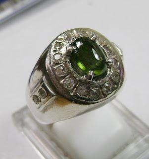 Cincin Batu Permata Tsavorite Garnet