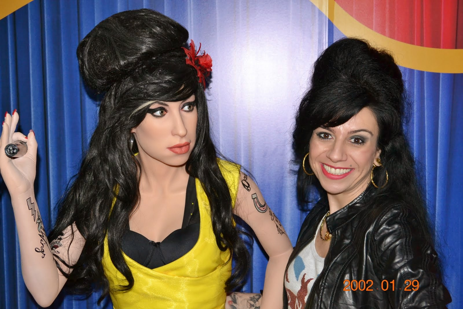 Sósia Amy Winehouse e Amy Winehouse
