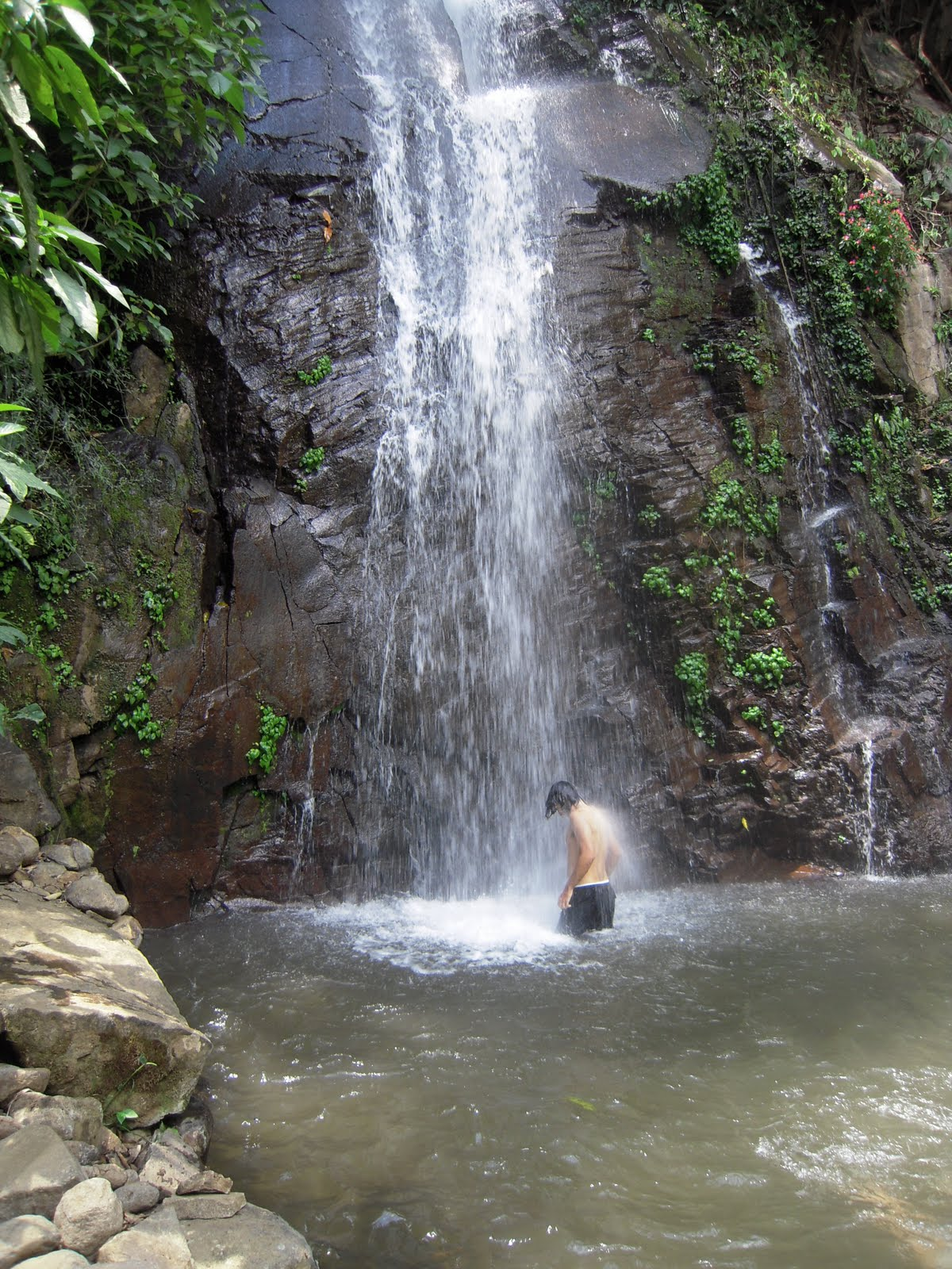 peace at the waterfalls Peace lodge and waterfall gardens one of the country's most whimsical stays, peace lodge is an unrestrained tribute to the natural world, with on-site waterfall hikes and a historic.