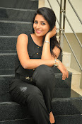 Kruthika Jayakumar gorgeous photo2-thumbnail-2