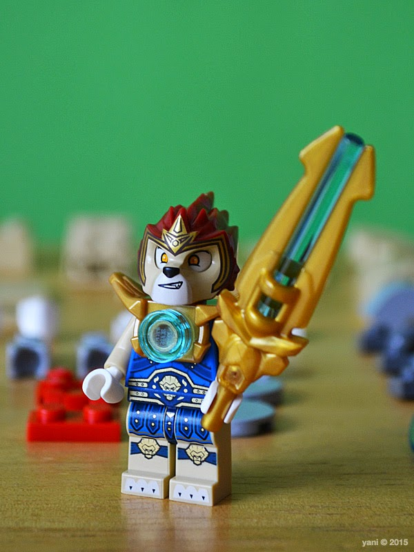 lego chima legend beast lion - laval and his giant ass sword